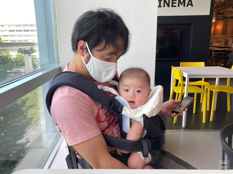 赤ん坊のIKEA初体験